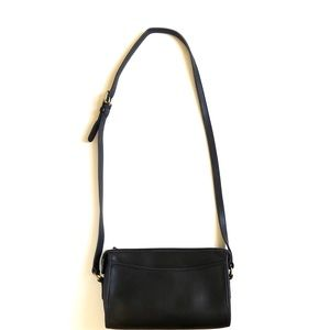 Coach Bags - Authentic Coach Taylor Saddle Bag